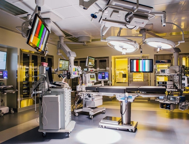 A high-tech operating room in the new Stanford Hospital