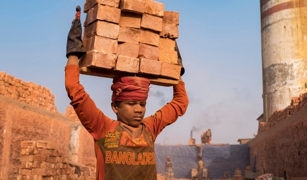 Kilns-Carrying-Bricks-TOC