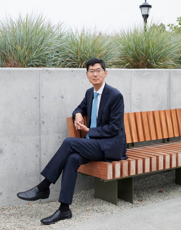 Photo of Michael Lim, MD, by Leslie Williamson